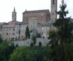 MASSIGNANO vista_del_centro_storico_e_della_chiesa