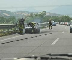 incidente auto a fuoco superstrada ascoli mare