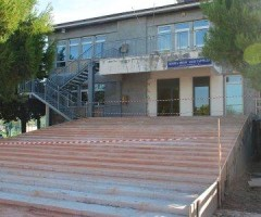 scuola media cappella scalinata