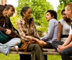 studenti-in-conversazione