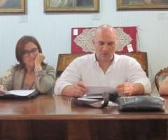 Il sindaco di Offida Valerio Lucciarini e il vice sindaco Isabella Bosano presentano il progetto Trasparenza Comune
