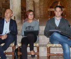 Piero Antimiani, Isabella Bosano, Alessandro Straccia presentano dati sul turismo a Offida