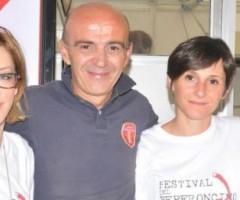 Il presidente Gabriele Gagliardi con lo staff del festival del peperoncino