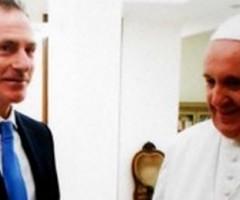 Roberto Alborghetti sarà rpesente all'incontro su scuola e famiglia, Educare a Vivere. Il giornalista presenterà il suo libro su Papa Francesco.