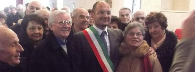 Guido Castelli riceve le coppie che festeggiano 50 anni di matrimonio.