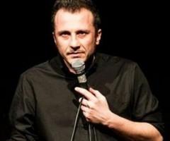 Giorgio Montanini con lo spettacolo Nemico Pubblico al teatro Serpente Aureo