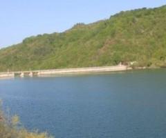 lago di gerosa, lungo cui si svolgerà l'escursione Il sentiero della longevità
