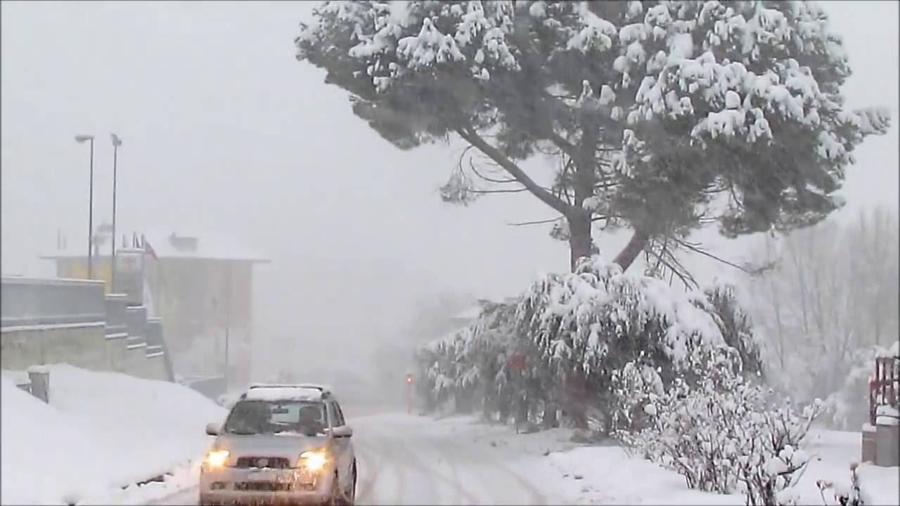 Allerta meteo Ascoli: freddo e neve in arrivo, rimandato l ...