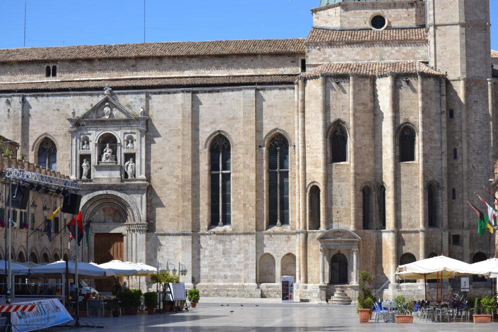 Dati siae la provincia di ascoli prima in italia per for Numero di politici in italia